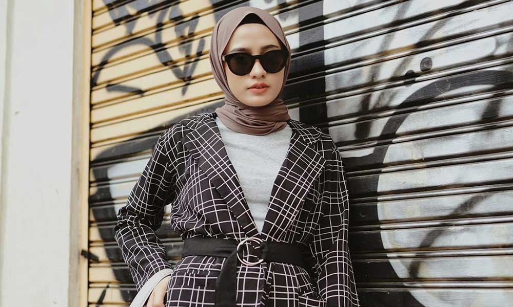 Tiru Gaya Baju Muslim Para Selebgram
